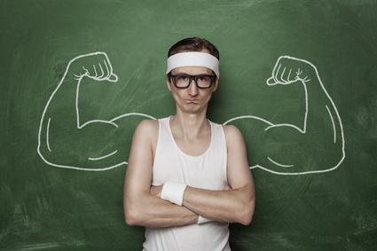 Ektomorph: Foto von einem dünnen Mann und Hardgainer der gerne Muskeln hätte.