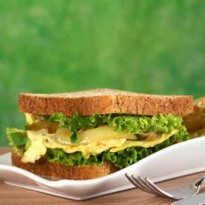 Adipositas permagna: Foto von einem ungesunden Sandwich mit Käse