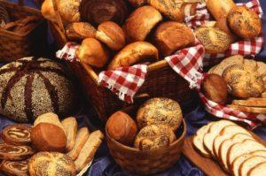 ketogene Diät Ernährungsplan: Foto von verschiedenen Brotsorten