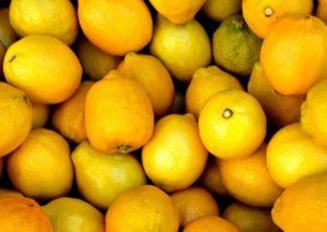 Zitronendiät: Foto von einem Haufen Zitronen