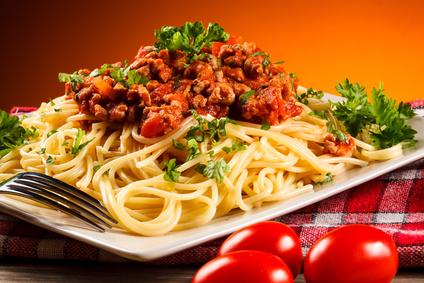 Anabole Diät Ernährungsplan: Foto von einem Teller Spaghetti Bolognese