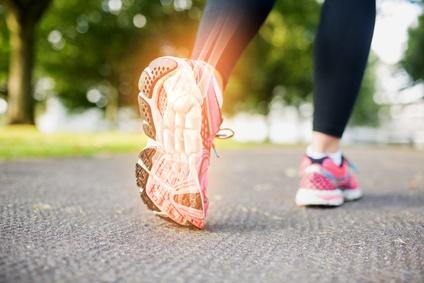 Flexkerben: Starke hintere, Aussensohle, für Belastungsspitzen des Fußaußenrandes.