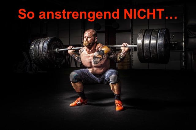 Beintraining ohne Geräte: Foto von einem Mann bei der Bein-Übung Kniebeuge mit Langhantel.