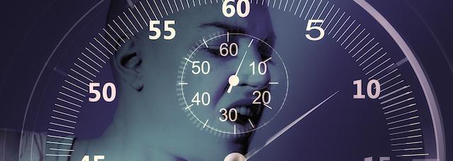 Hanteltraining zuhause wie oft? Foto von einem Ziffernblatt einer Uhr.
