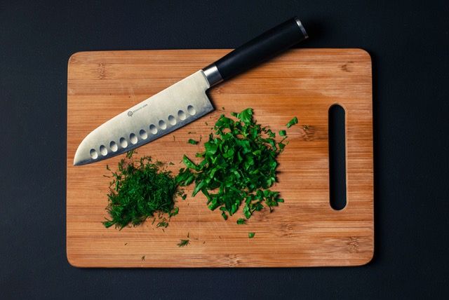 Foto von dem kohlenhydratarmen Nahrungsmittel Kräuter.