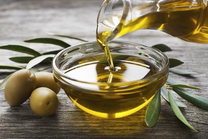 Kohlenhydratfreie Nahrungsmittel: Foto von dem Lebensmittel Olivenöl.