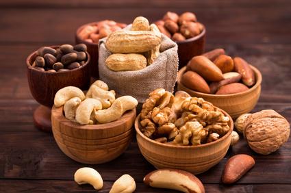 Eiweißquellen: Foto von verschiedenen Sorten Nüsse und Kerne.