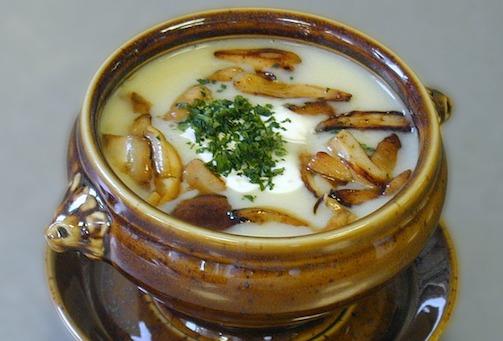 Low Carb Mittagessen: Foto von einer Pilzsuppe.