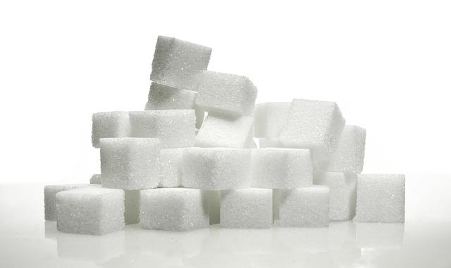 Sixpack Guide: Foto von raffiniertem Zucker in Form von Zuckerwürfeln.