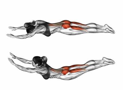Foto von der Übung Rückenstrecken im liegen zum Rückenmuskulatur trainieren.